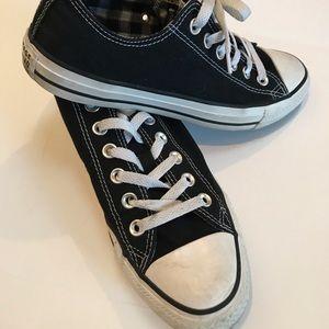Converse All Star Black & White - Size 8